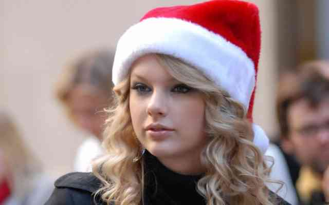 Taylor Swift Hot Christmas Cute Girl Images