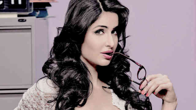 Fitoor movie Wallpaper sexy Actress Katrina Kaif