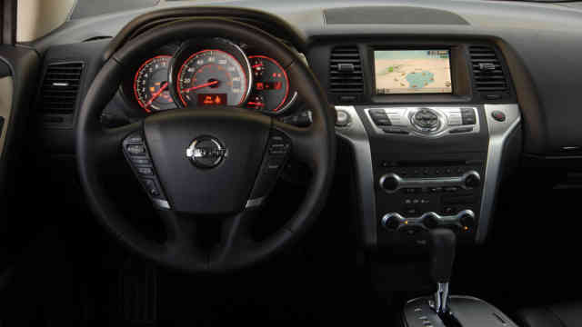 2010 Nissan Murano interior steering wheel cockpit
