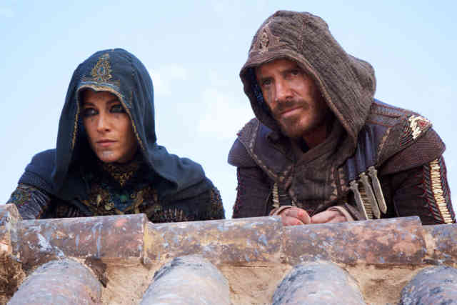 Brendan Gleeson, Michael Kenneth Williams, Michael Fassbender, Ariane Labed, and Callum Turner in Assassin's Creed (2016)