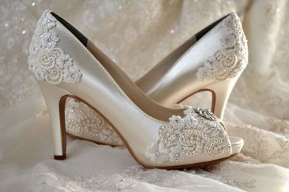 Best Wedding Dress And Bridal Shoes Selection Tips