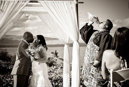 Best wedding photographers in Maui - The Right Kind of Service Provider