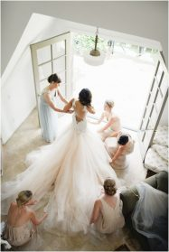 Classic Wedding Shots of Your Wedding Dress