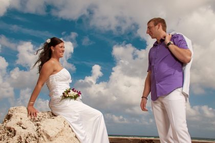 Don't Forget These Things While Hiring A Wedding Photographer in Sunshine Coast